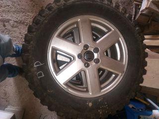 vendo llantas de Volvo y ruedas