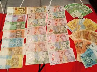 billetes y monedas de varios billetes a un 1€ 1'5.
