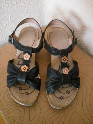 Sandalias negras cuña n°37