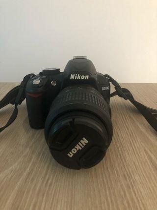 Camara Nikon D3100 seminueva