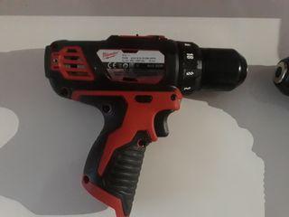 Taladro atornillador milwaukee m12 BDD