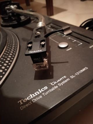 Technics SL 1210 MK 5 + Aguja Shure M 44 7