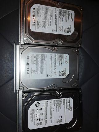 Discos duros: 1 de 4t y 2 de 80 g.