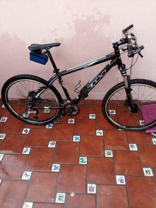 bicicleta mountain bikey BH.