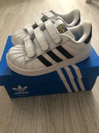 Adidas Superstar,numero 26