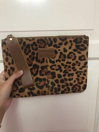 Bolso leopardo de mano