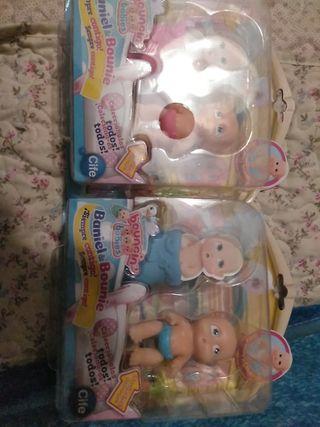 muñecos Baniel y Bounie.