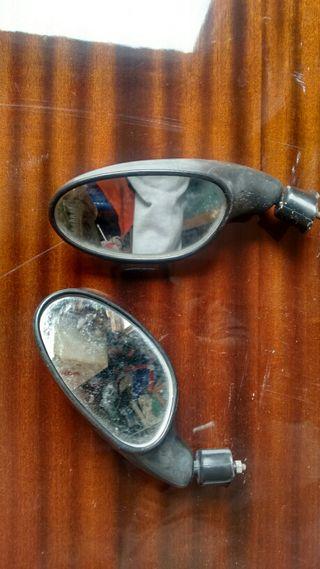 Espejos de moto.