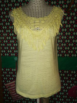 Camiseta Bershka, talla L
