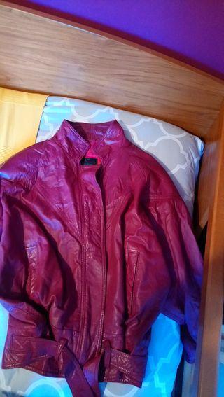 chaqueta de cuero de chica