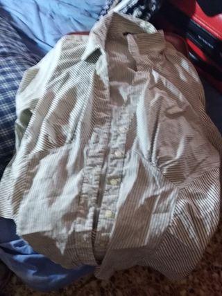 camisa y camiseta
