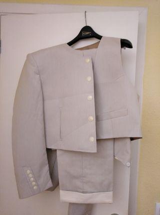 traje corto de caballero