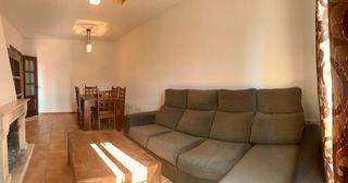 Sofá con chaiselongue y canapé en Chiclana