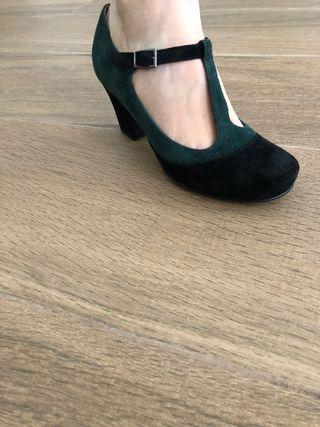 4771287c79e Zapatos de tacón verdes de segunda mano en Valencia en WALLAPOP
