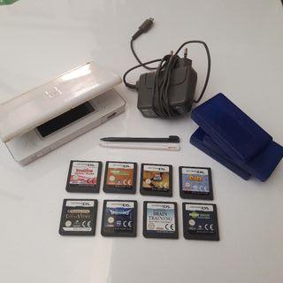Nintendo DS + cargador+ 8 juegos