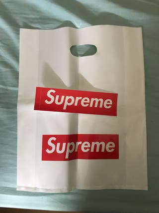 Pack bolsa y sticker supreme