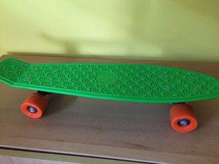 Skate tipo penny verde