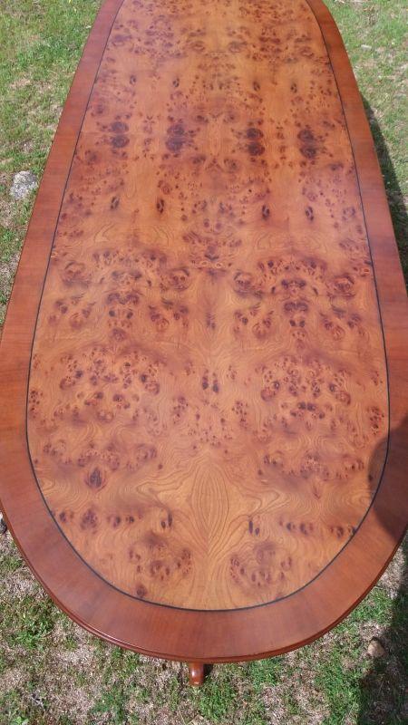 mesa en cerezo