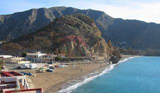 se alquila casa en playa el portus cartagena
