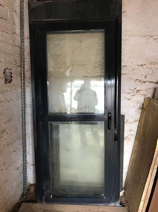 puerta con persiana