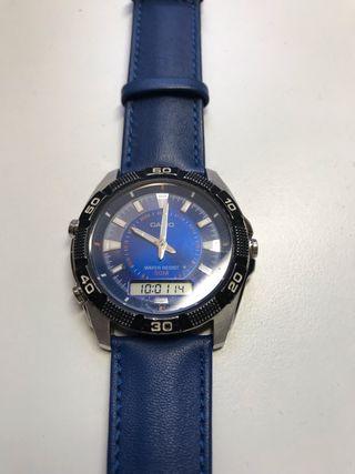 Reloj Casio Azul digital y analógico