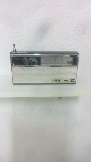 RADIO TRANSISTOR SANYO TRANSCONTINENTAL AÑOS 60