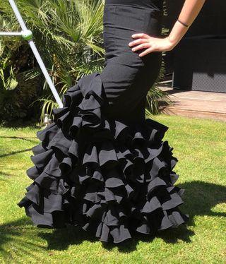 4ad0b661d Falda flamenca negra de segunda mano en la provincia de Barcelona en ...