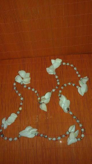 Collar largo conchas caracolas semillas