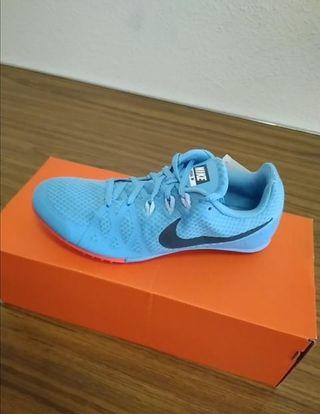 Talla 40. Nike Zoom Rival M8. Nuevas.