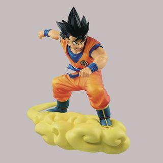 Figura Son Goku adolescente volando sobre nube