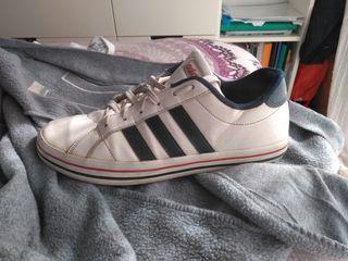 2568a3d8dea Zapatillas Adidas hombre de segunda mano en Valencia en WALLAPOP