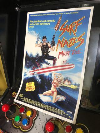 Cartel película Surfistas Nazis (Troma Fims)