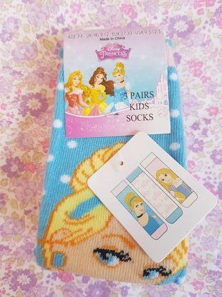 3 calcetines de Princesas SIN ESTRENAR. N° 26-30