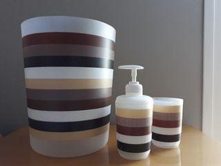 Conjunto de baño multicolor