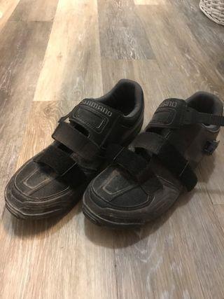 Zapatillas MTB Shimano 43 + pedales