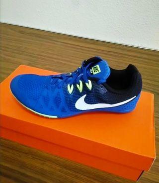 Talla 40,5. Nike Zoom Rival M8. Nuevas.
