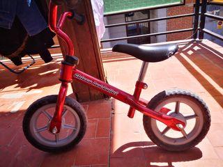 bicicleta sin pedales y sin patines