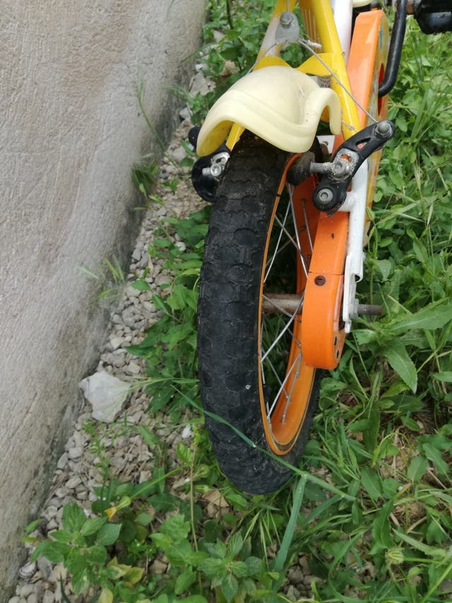 bicicleta BH 14 pulgadas.Para niño o niña 4-6 años