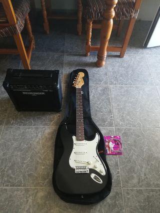 Guitarra eléctrica (DAKOTAgitars) y amplificador
