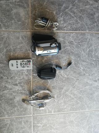 Vendo cámara de foto y vídeo marca (JVC)