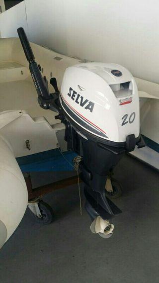 Embarcasion semirriguida