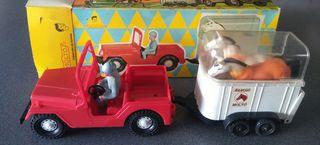 Jeep Molto Remolque con Caballos