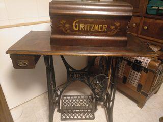 Máquina de coser antigua