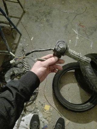 puño de gas con mandos honda scoopy 75cc