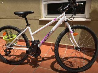 """Bicicleta Rock Rider para mujer, 26"""""""