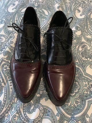 Zapatos tipo Oxford Zara