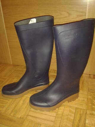 088e87b4c93 Botas de agua para mujer de segunda mano en Madrid en WALLAPOP