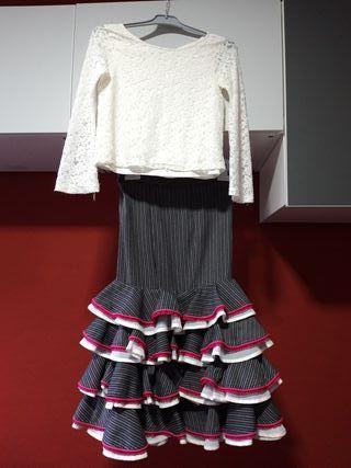 6bfee203d Falda flamenca infantil de segunda mano en WALLAPOP