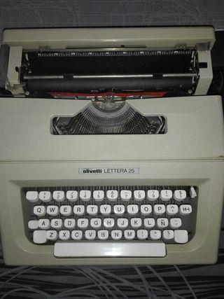 Maquina de escribir OLIVETTI 25
