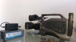 videocámara profesional de TV JVC